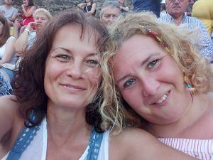 Barátnők koncerten